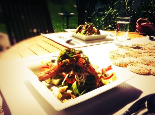 asiatisch angehauchter salat